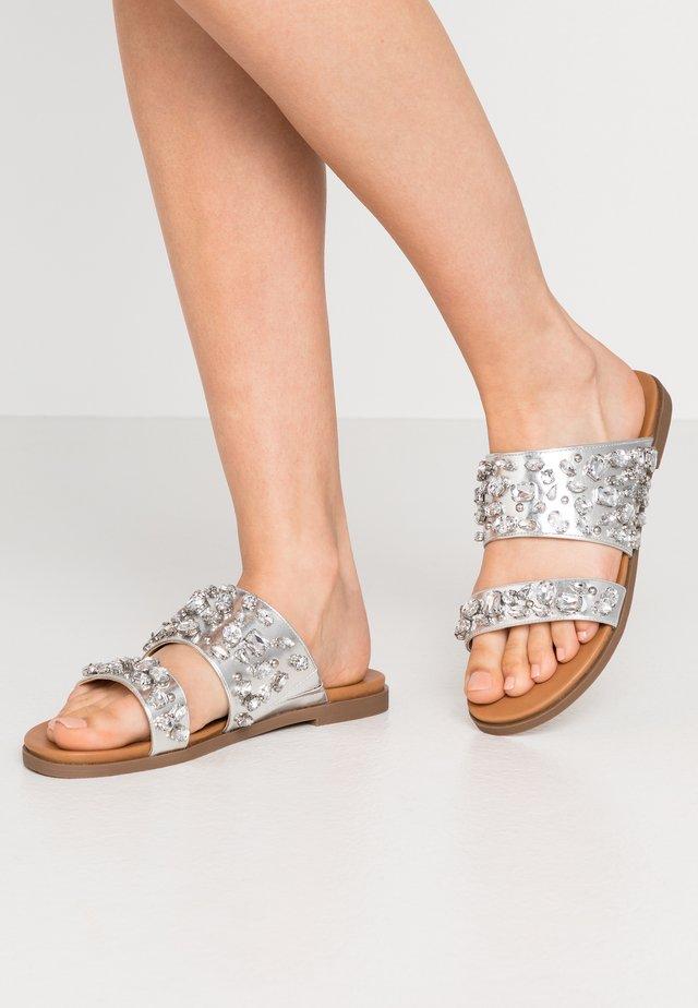 JAYA - Pantofle - silver