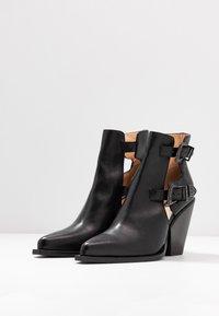 Pinko - PAPRICA TRONCHETTO - Boots à talons - nero limousine - 4