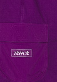adidas Originals - CARGO - Shorts - glory purple - 2