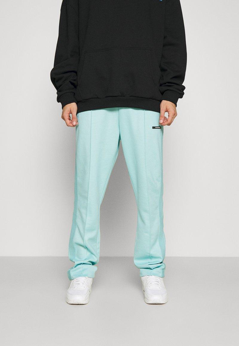 9N1M SENSE - STRIPE TRACK PANT UNISEX - Pantalon de survêtement - skyblue