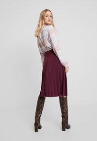 Anna Field - Plisse A-line mini skirt - A-Linien-Rock - winetasting - 2