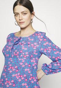 Slacks & Co. - COLETA - Vestido informal - star chain blue - 3