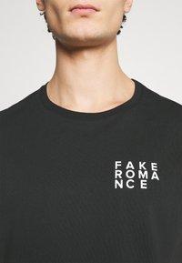 YOURTURN - T-shirt med print - black - 6