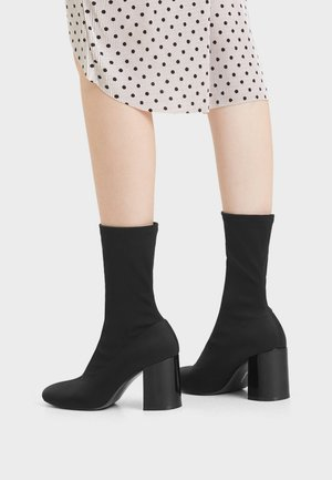 MIT ELASTISCHEM - High heeled ankle boots - black