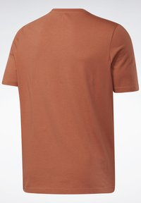 Reebok Classic - VECTOR TEE - T-shirt con stampa - baked earth - 7