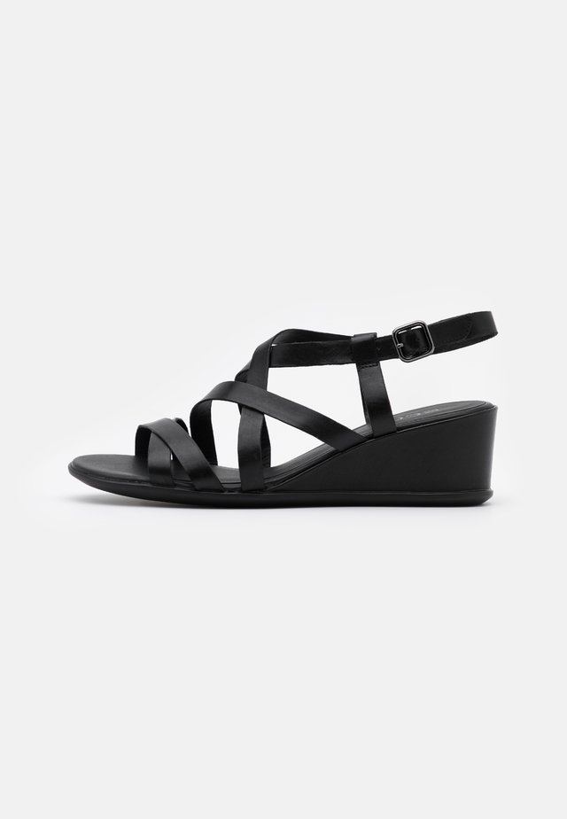 SHAPE - Sandały na koturnie - black santiago