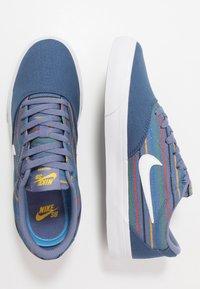 Nike SB - CHARGE PRM UNISEX - Trainers - mystic navy/white - 1