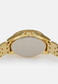 Guess - LADIES DRESS - Reloj - gold-coloured - 2