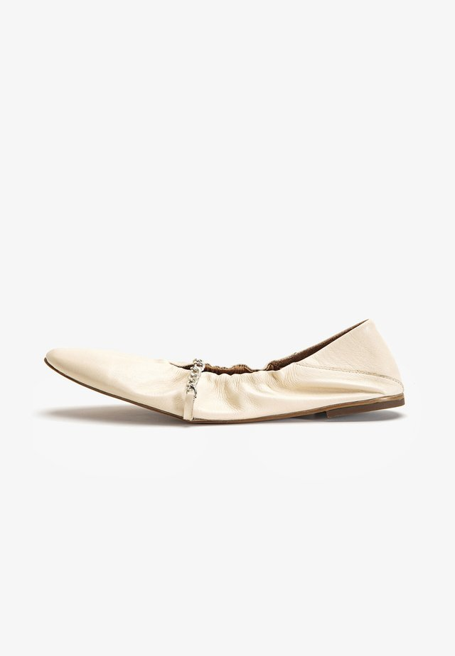 Foldable ballet pumps - bone bne