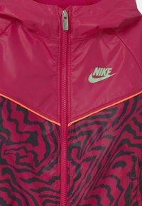 Nike Sportswear - WINDRUNNER  - Training jacket - fireberry - 2