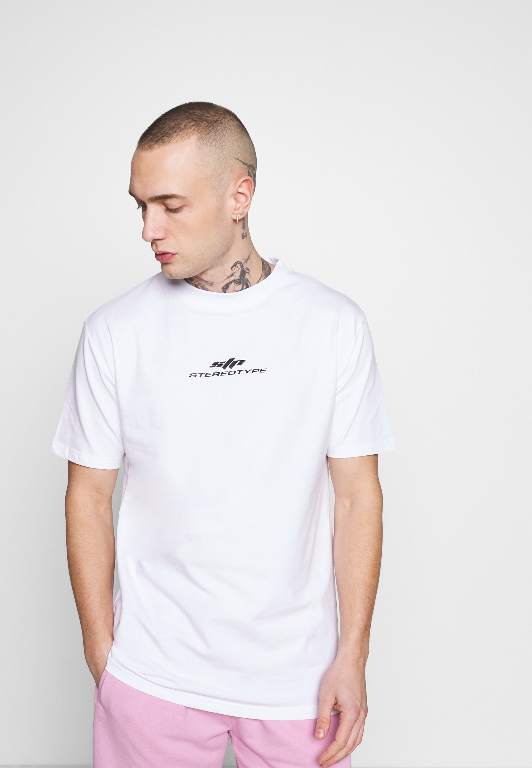 STEREOTYPE STEREOTYPE PATCH - T-shirts med print - white
