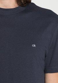 Calvin Klein - T-paita - navy - 4
