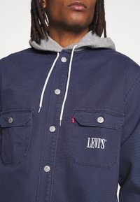 Levi's® - HOODED JACKSON OVERSHIRT - Kurtka wiosenna - dress blues - 4