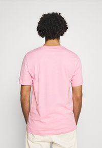 Nike Sportswear - TEE BRANDMARK - Print T-shirt - light arctic pink - 2