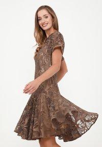 Madam-T - SACASA - Cocktail dress / Party dress - marron - 3