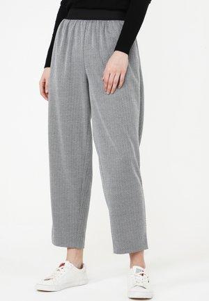 HOSE CRETA - Trousers - grau