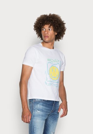 PIXEL RELAXED FIT - Print T-shirt - white