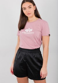 Alpha Industries - NEW BASIC - Print T-shirt - silver pink - 1