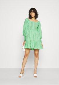 Lace & Beads - CAYLEE DRESS - Koktejlové šaty/ šaty na párty - green - 1