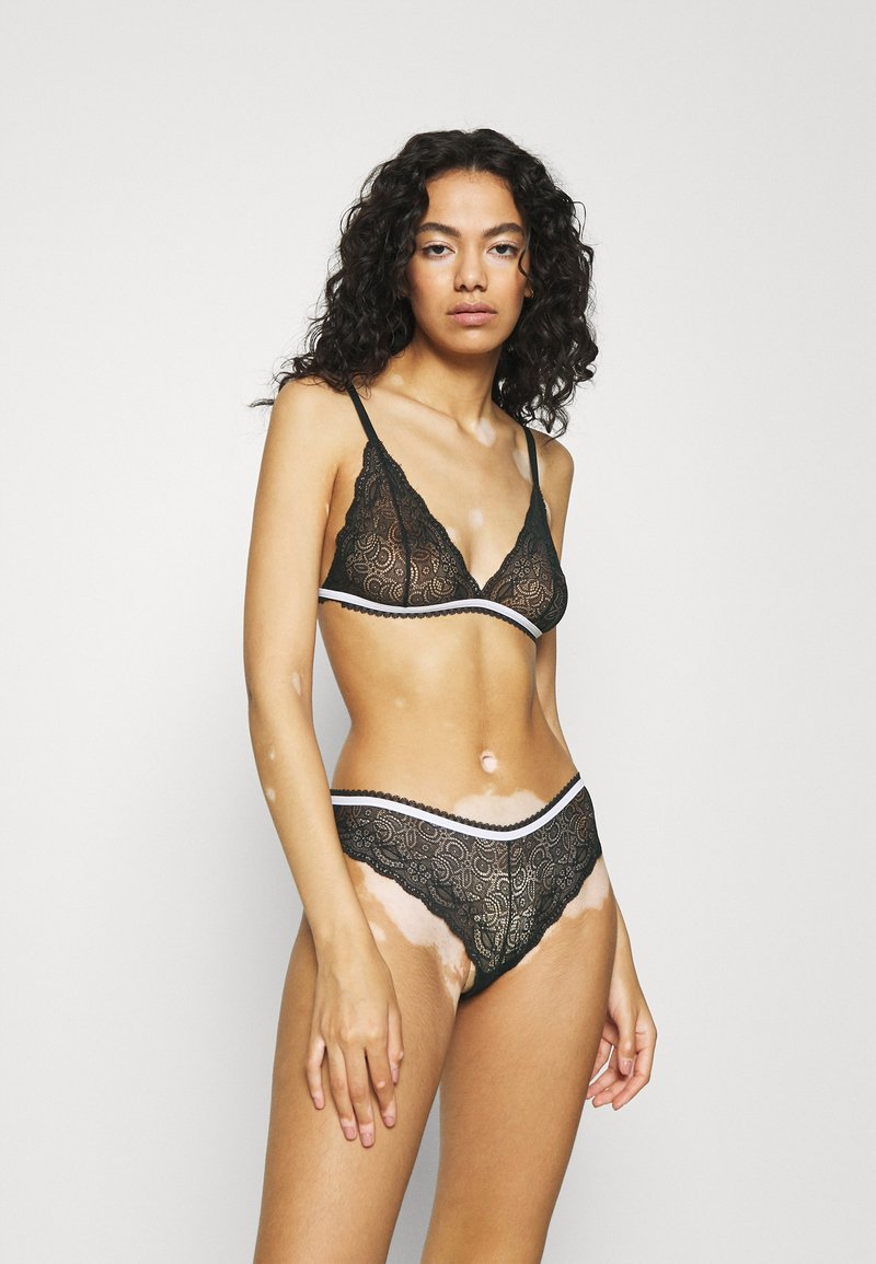 Trendyol - SET - Triangle bra - black