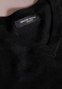 Bruuns Bazaar - CHARLES - Maglione - black - 4
