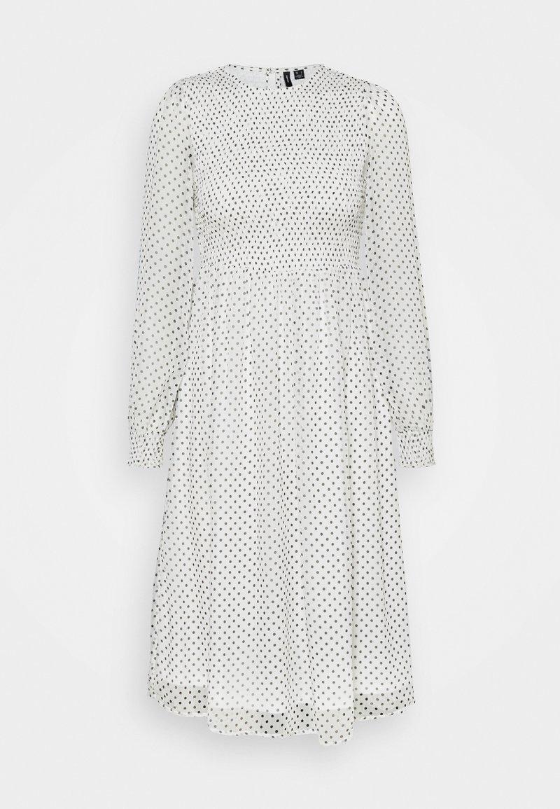 Vero Moda Petite - VMSIFFY SMOCK CALF DRESS  - Jurk - snow white/black
