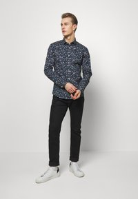Lindbergh - FLORAL - Shirt - dark blue - 1