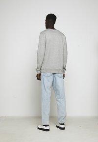 Les Deux - PIECE - Sweatshirt - light grey melange - 6