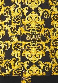 Versace Jeans Couture - FLEECE PRINT LOGO BAROQUE  - Zip-up hoodie - black - 2