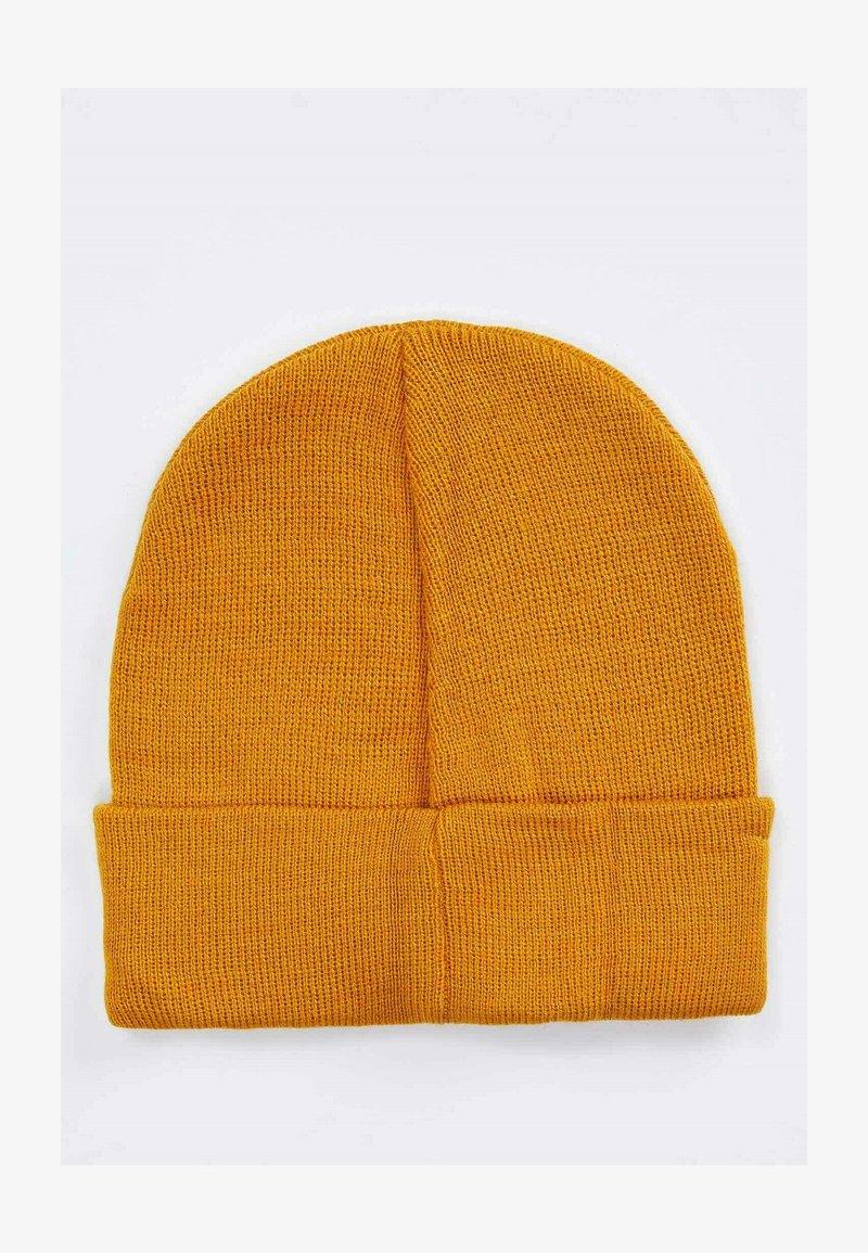 DeFacto - Beanie - yellow