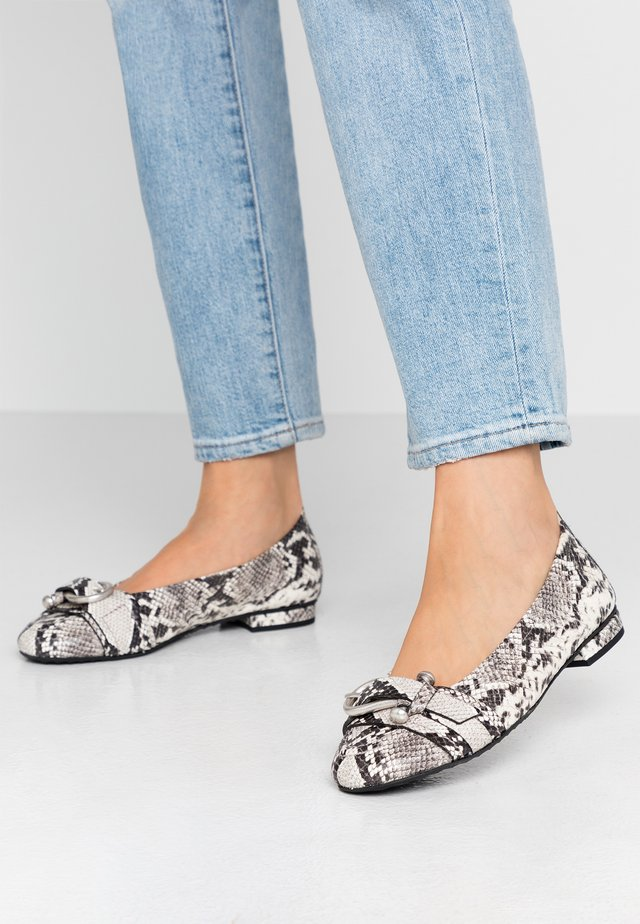 MALU - Ballet pumps - grey/silver