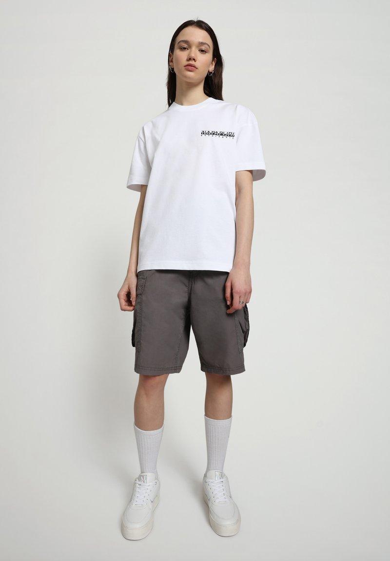 Napapijri - S-HAENA - T-shirt con stampa - bright white
