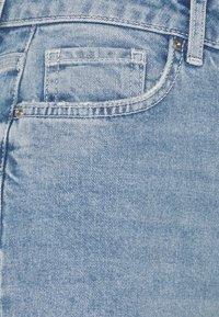 Pieces Petite - PCLEAH - Slim fit jeans - light blue denim - 2