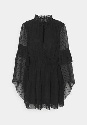 KEYHOLE FLUTTER SMOCK DRESS DOBBY - Denní šaty - black