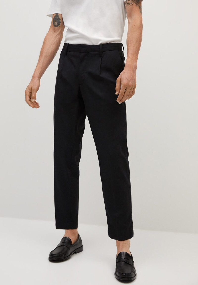 Mango - BRETON - Pantalones chinos - black
