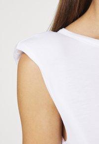Dorothy Perkins - PADDED SHOULDER TEE - Basic T-shirt - white - 4