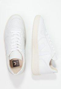 Veja - V-10 - Sneaker low - extra white - 2