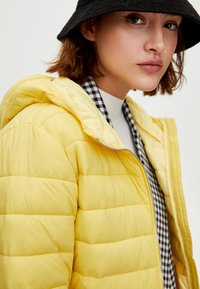 PULL&BEAR - Winter jacket - yellow - 4