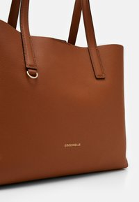Coccinelle - MATINEE - Tote bag - caramel/ginger - 4