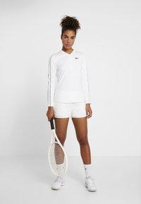 Nike Performance - DRY  - Funkční triko - white/black - 1
