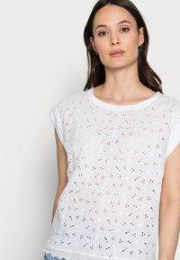 Freequent - T-shirt print - brilliant white - 3