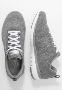 Skechers Wide Fit - FLEX APPEAL 3.0 - Sneakers laag - gray/white - 3