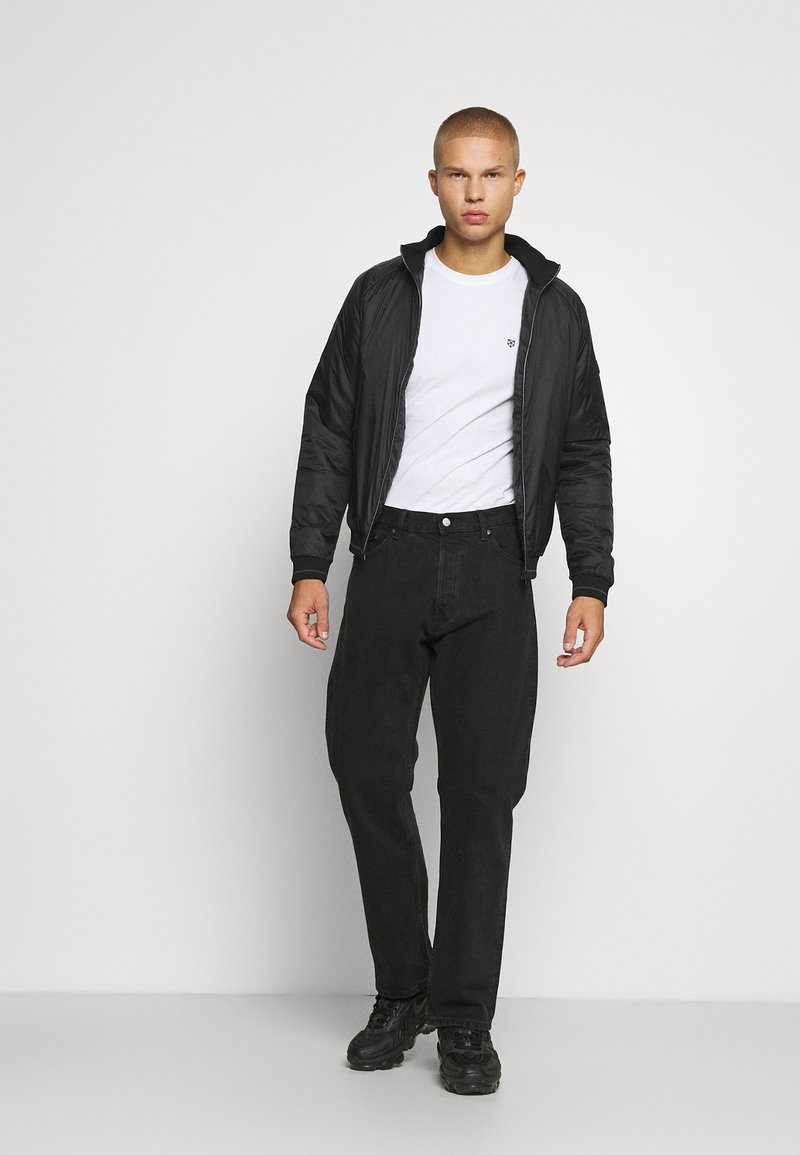 Jack & Jones PREMIUM - JPRBRODY TEE CREW NECK 5 PACK - Basic T-shirt - navy blazer/white/olive night/black/portroyale