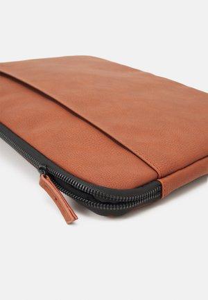 CORE LAPTOP COVER 13 INCH UNISEX - Laptop bag - russet