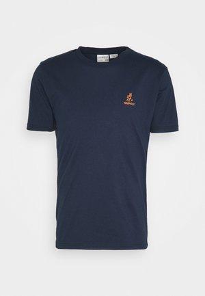 BIG RUNNINGMAN TEE - Print T-shirt - navy