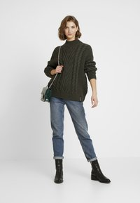 Superdry - DALLAS CHUNKY CABLE - Jumper - army khaki - 1
