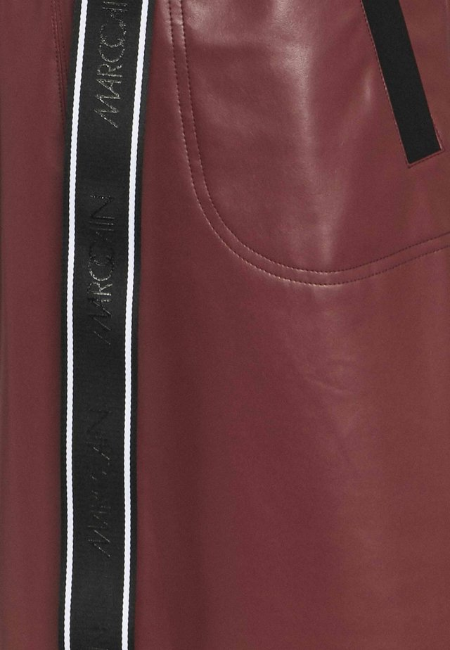 Robe d'été - cabernet