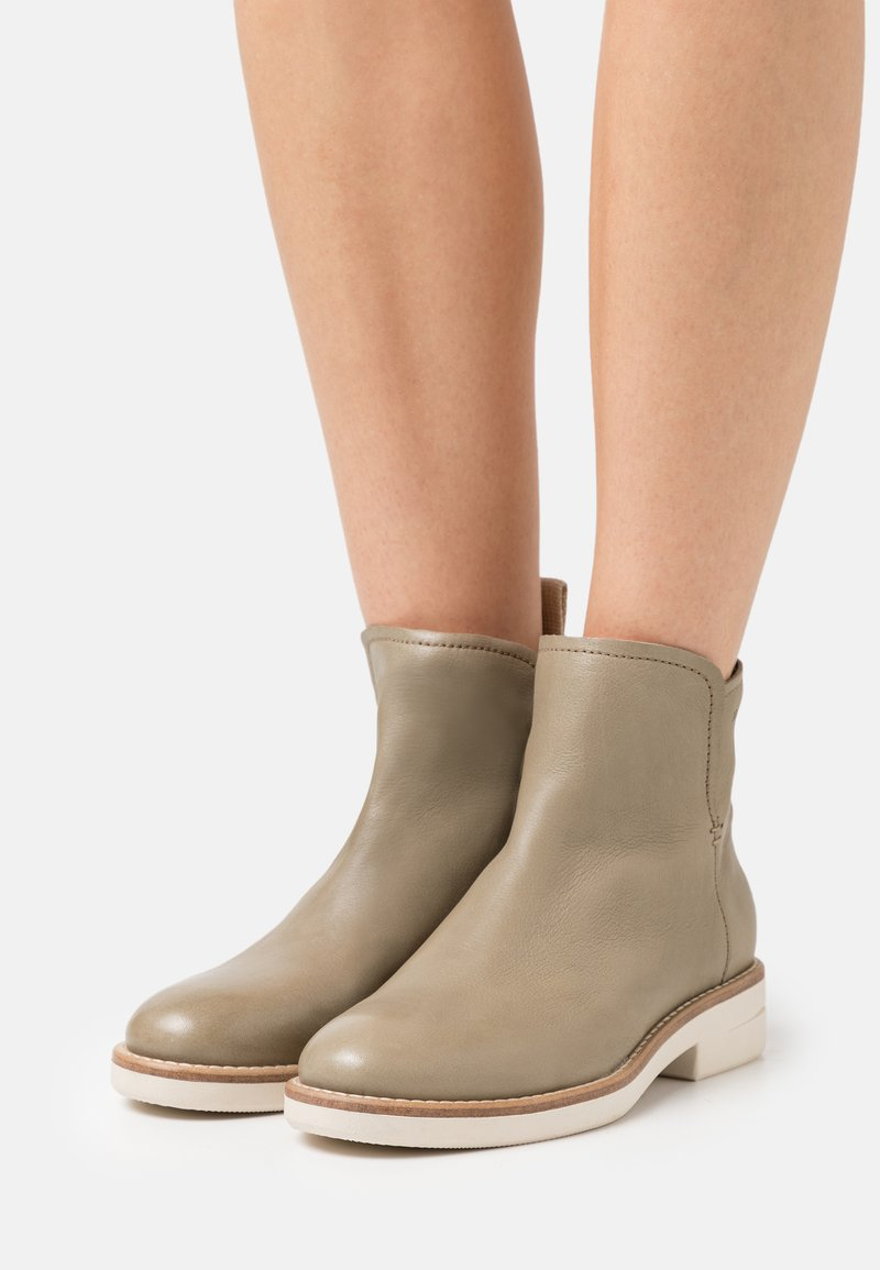 Marc O'Polo - SHEILA  - Classic ankle boots - light oliv
