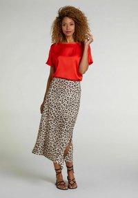 Oui - Basic T-shirt - fiery red - 1