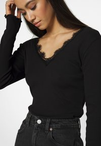 Nly by Nelly - DEEP V - Topper langermet - black - 4